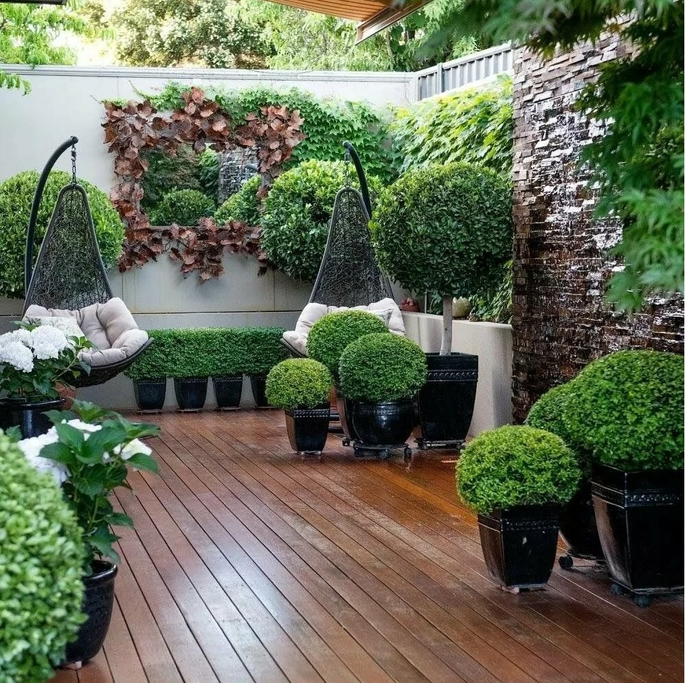 small yards and gardens