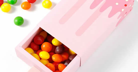 Gift box with mold