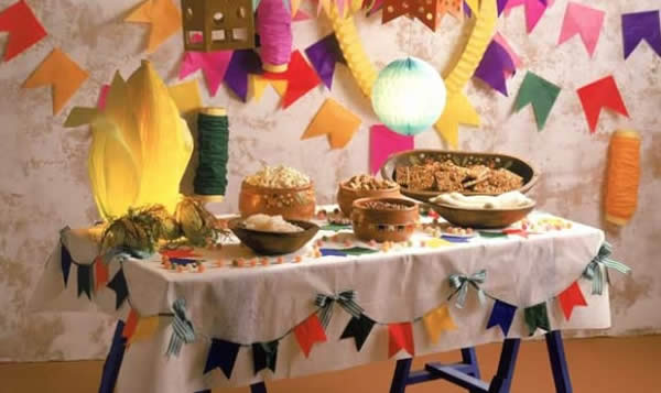 Decorated table for June Party