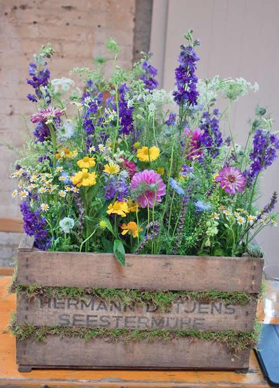 Beautiful garden box decor