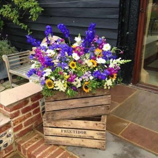 Garden box decoration