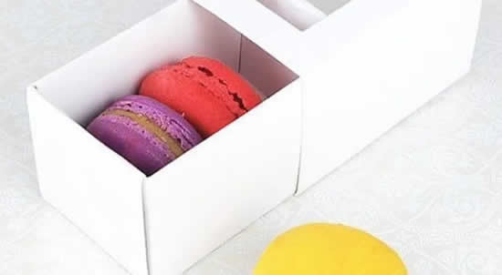 Paper box for wrapping, packaging and souvenirs
