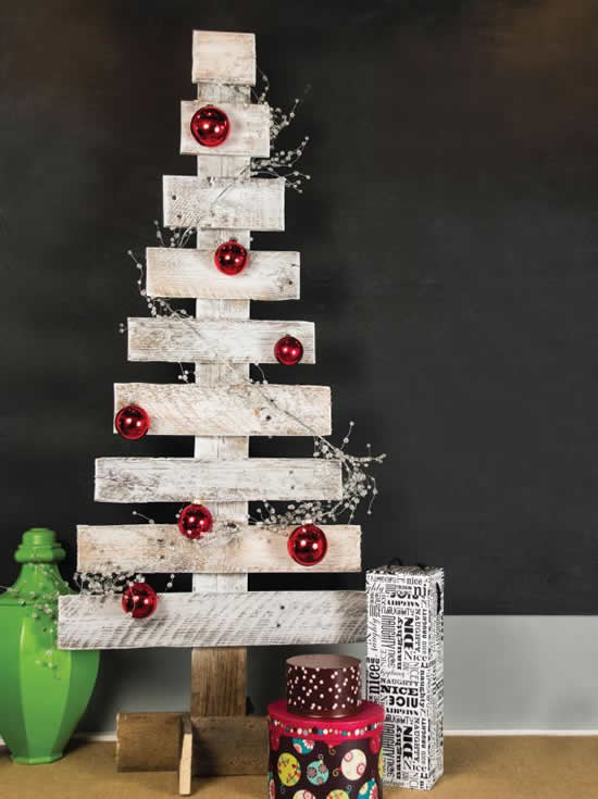 Christmas tree with pallets