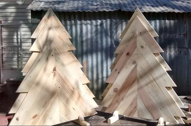 Christmas decoration with pallets
